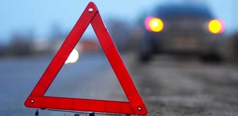В Омском районе водитель «Тойоты» выехал на встречную полосу и врезался в «Рено»