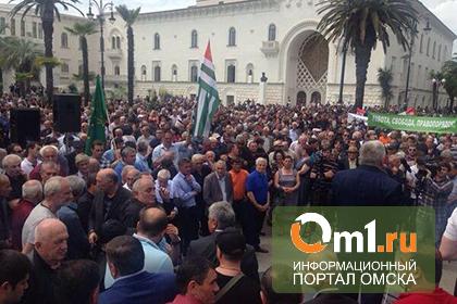 В Абхазии оппозиция захватила президентский дворец