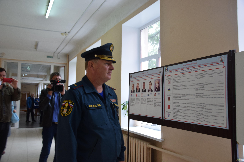 Директор омского управления МЧС, решивший начать депутатскую деятельность, написал рапорт оботставке