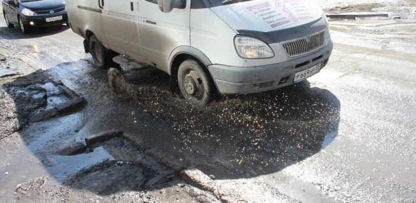 Двораковский распорядился увеличить площадь ремонтируемых дорог в Омске на 50 тысяч «квадратов»