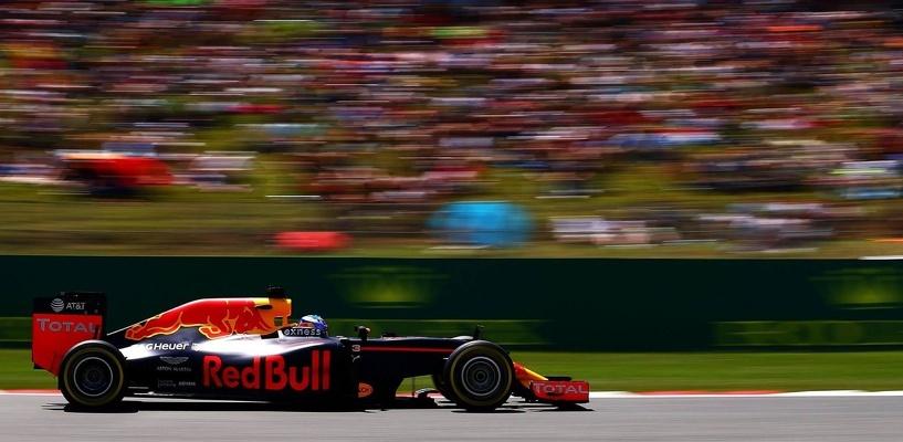 Всем ребятам пример: этап «Формулы-1» впервые выиграл тинейджер