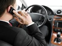 Штраф за разговор по мобильнику за рулем может вырасти в пять раз