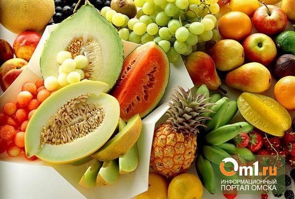В Омске утром горел склад с фруктами