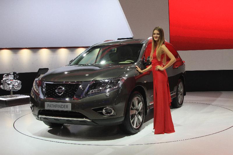 Гибрид с берегов Невы: новый Nissan Pathfinder наконец-то доехал до нас!