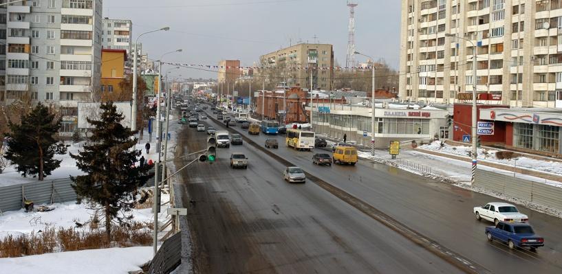 Пробки в Омске: затор на Конева и ДТП на Красном Пути
