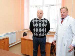 Назаров заново открыл отремонтированную больницу в Тюкалинске