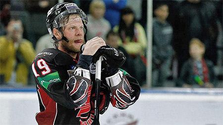 Курьянов вернулся в «Авангард» и сменил игровой номер