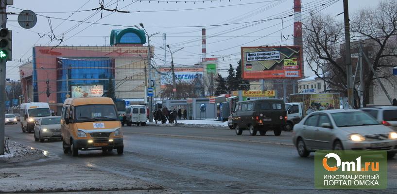 В Омске на дороги направлено больше троллейбусов и трамваев