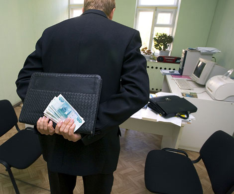 Омская область оказалась на седьмом месте среди регионов России по количеству взяток