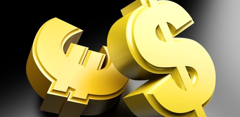 Курс валют: доллар и евро продолжают расти