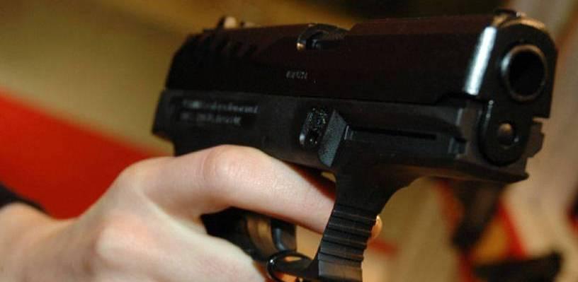 В Омске мужчина открыл стрельбу по работникам фирмы