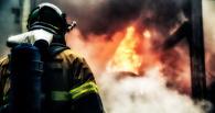 В Омске на пожаре на стройке пострадал прораб