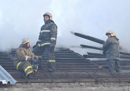 В Омской области погибшая на пожаре женщина сама вызвала спасателей