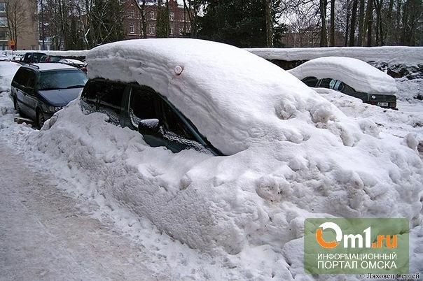 Омич отсудил у ЖСК 62 тысячи порчу машины при сбрасывании снега с крыш