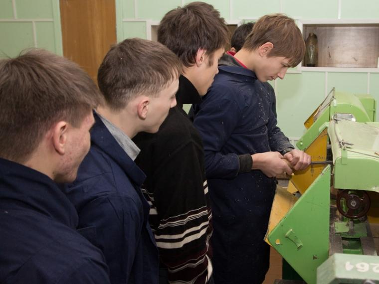 В омской школе начал действовать ракетно-космический класс