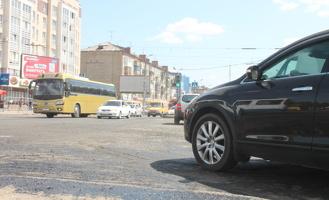 За срыв сроков ремонта дорог в Омске подрядчиков планируют штрафовать