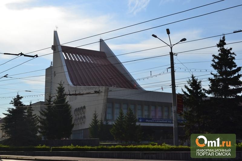 Омский музтеатр после взрыва пиротехники отремонтируют на 2 млн рублей