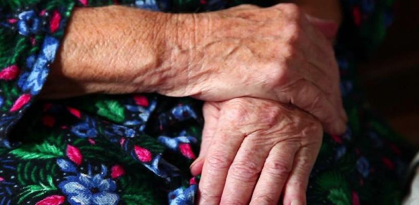 В Омской области пьяный внук до смерти избил свою бабушку