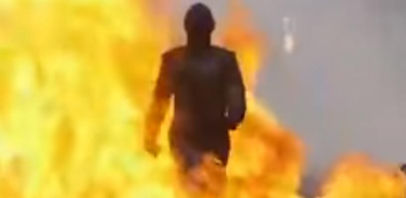 Взрывы, пламя и блондинка: Дмитрий Рогозин показал девушку-терминатора