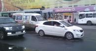 Осторожно, пробка: ДТП с маршруткой у «Каскада» в Омске