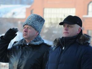 Назаров возложил цветы памятникам Карбышеву и Жукову