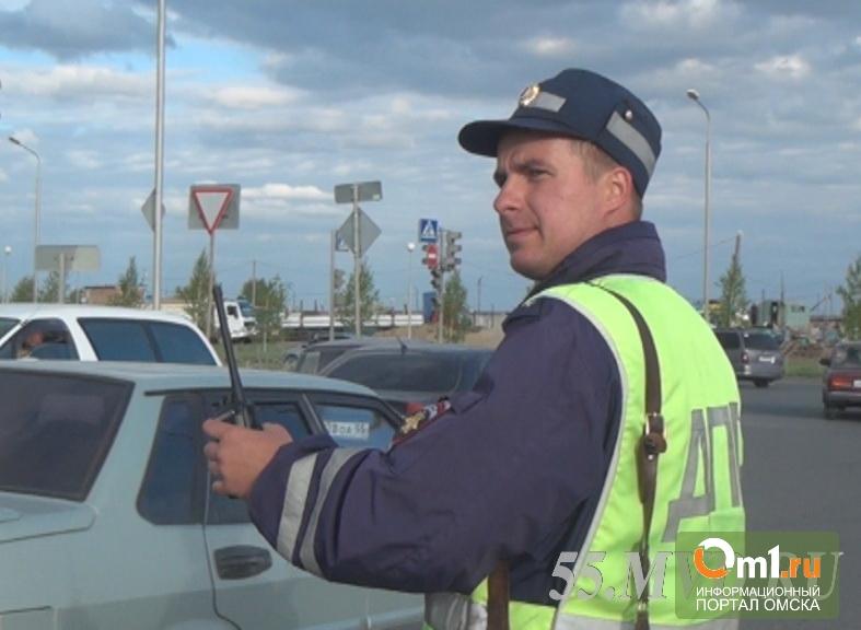 В Омске иномарка протаранила маршрутку, шесть человек пострадали