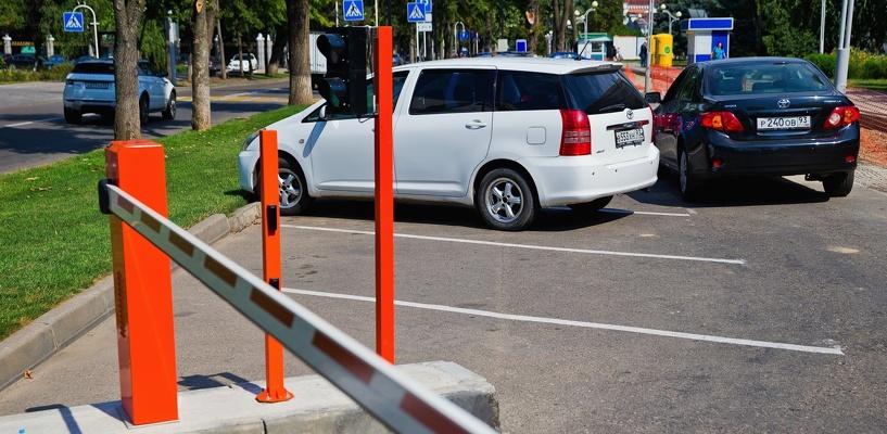 Строительство платных парковок в центре Омска хотят отдать бизнесу