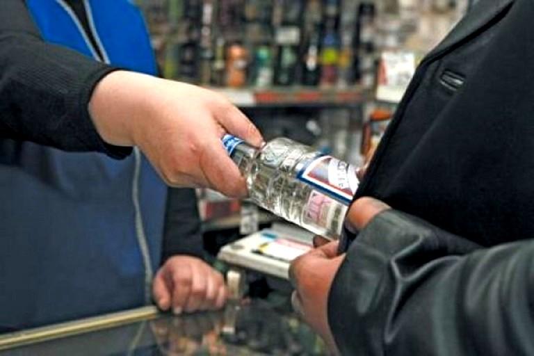 Омские депутаты «возьмутся» за рецидивистов, незаконно торгующих алкоголем