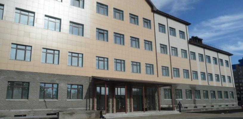 В Омске новая школа № 24 работала без лицензии два года