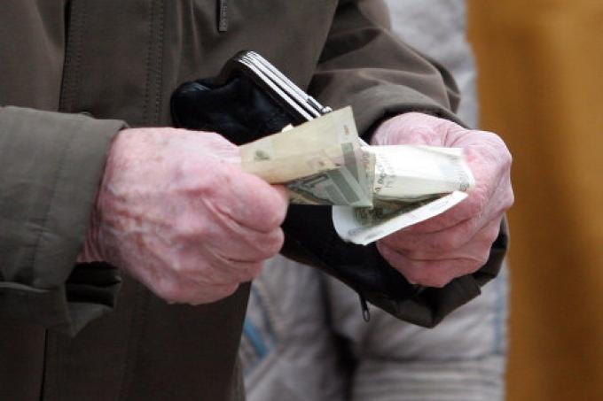 В Омской области 82-летний пенсионер стал жертвой телефонных мошенников
