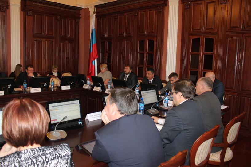 Запрет слабоалкогольных энергетиков в Омске рекомендован Заксобранию к принятию