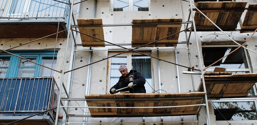 Жители Советского округа добились снижения платы за содержание и ремонт домов