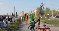 На Иртышской набережной установили антивандальные тренажеры