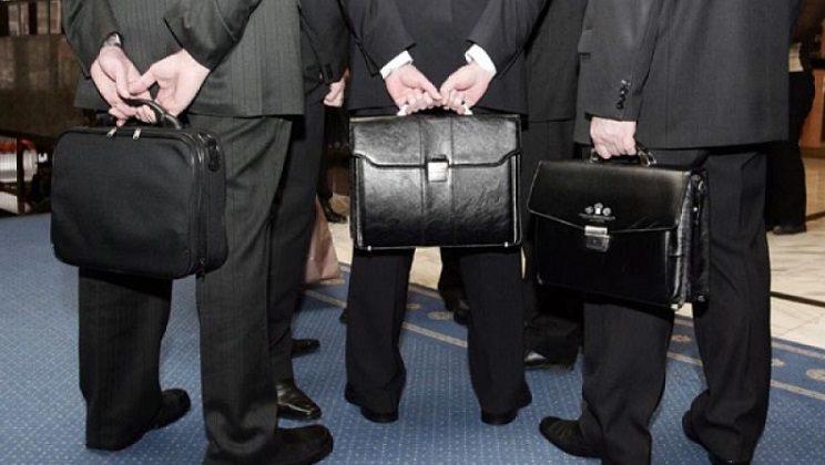 В Омской области зарплата районных чиновников будет зависеть от собранных налогов