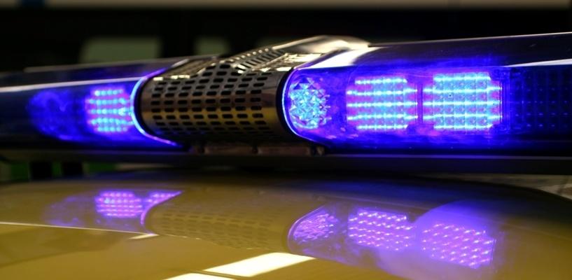 В Омске пассажирка выпала из автомобиля на полном ходу