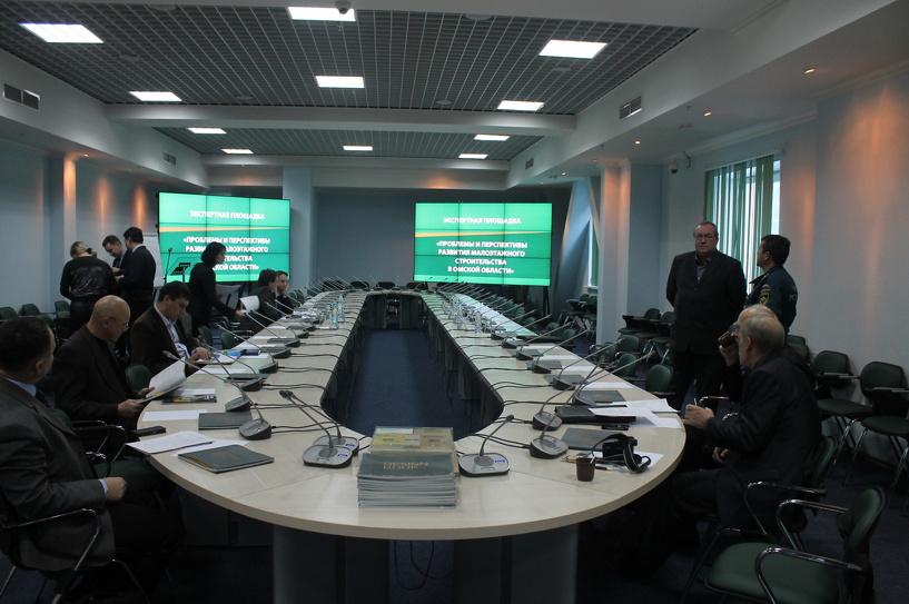 Омских сирот, учителей и врачей будут заселять в быстровозводимые дома
