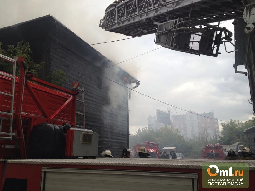 Сгоревший дом на улице Степана Разина в Омске будут ремонтировать