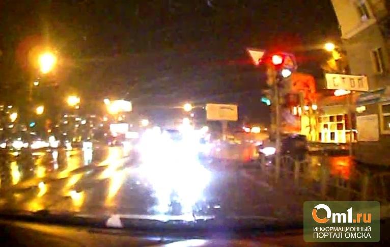 Никто из свидетелей ДТП на Орджоникидзе в Омске не видел водителя «Лексуса»