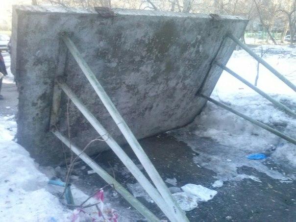 Омская мэрия возьмет на контроль строительство нового козырька дома на Красном пути