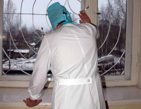 В Омске врачей обвиняют в смерти роженицы