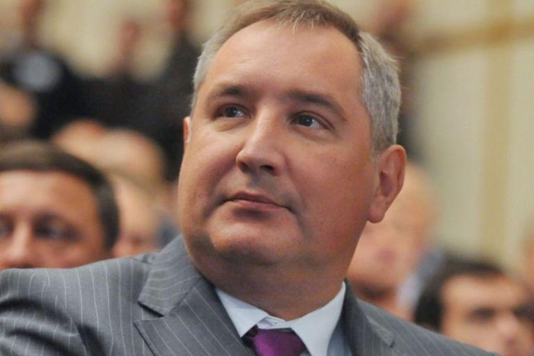 Визит в Омск Дмитрий Рогозин начал с осмотра ресурсного центра политеха