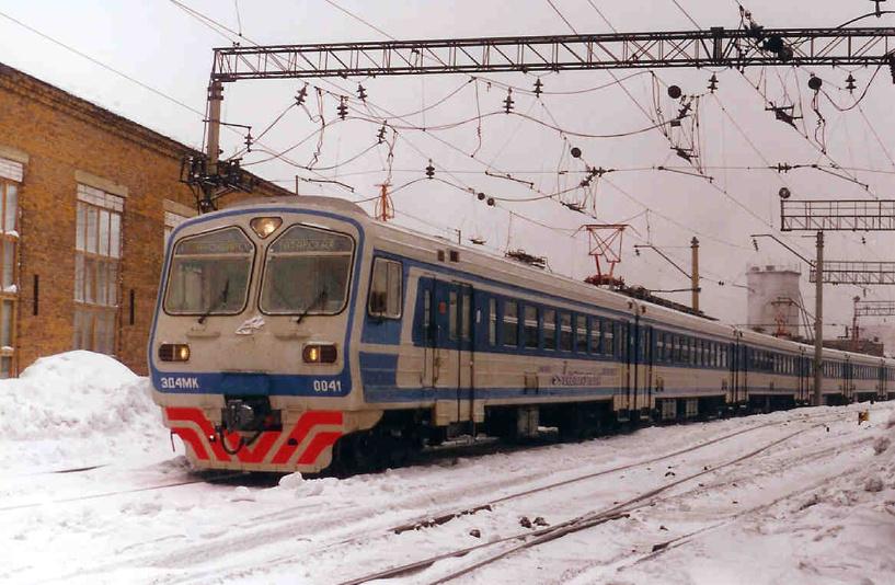 Пассажиры омских электричек будут оплачивать только половину стоимости проезда