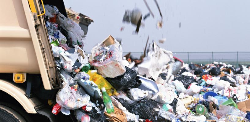 На омских улицах стало на 100 тысяч кубометров меньше мусора