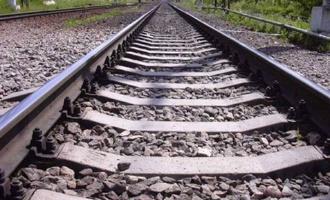 Маленький омич положил на рельсы камни, чтобы увидеть «прыгающие поезда»