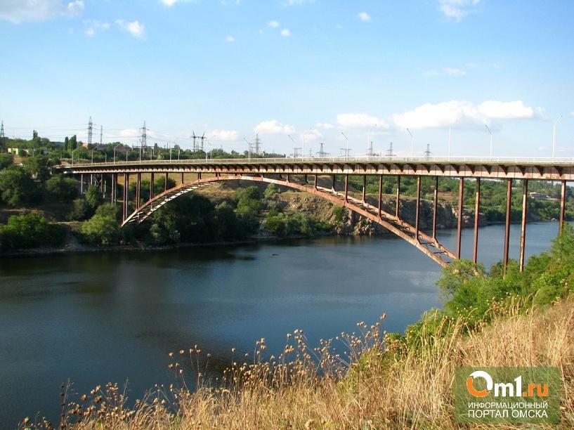 Партизанская война: в Запорожье взорвали железнодорожный мост