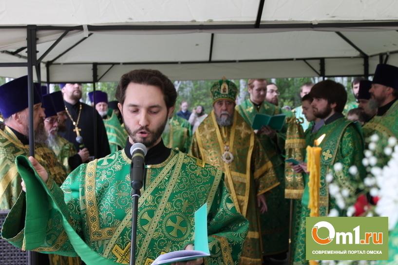 Омский губернатор: К молитве я не пришел, но для обители сделаю все, что смогу