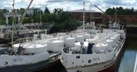 Иртышское пароходство распродает свои суда