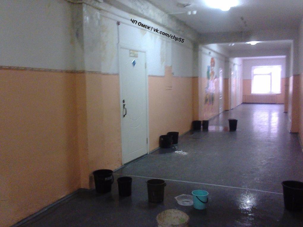 Фролов отправит специальную комиссию вомскую школу, где протекает крыша