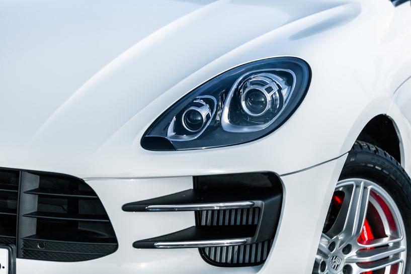 Суперкар-кроссовер: дивимся многогранности Porsche Macan Turbo