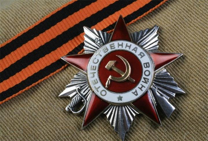 Юбилейные медали получили ветераны Кировского и Октябрьского округов Омска